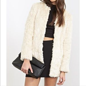 Forever 21 Ivory Faux Fur Coat. Size Large
